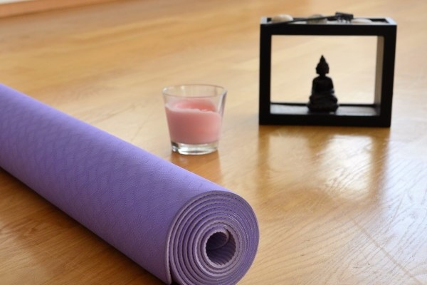sechs yoga bungen f r entspannung im mama alltag s dstadtmutter. Black Bedroom Furniture Sets. Home Design Ideas