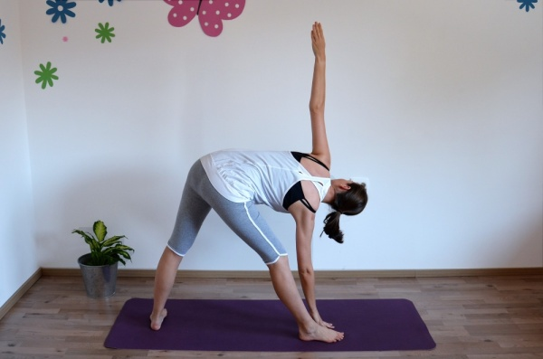 Yoga Dreiecksposition